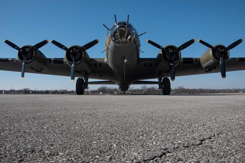 B-17_GND